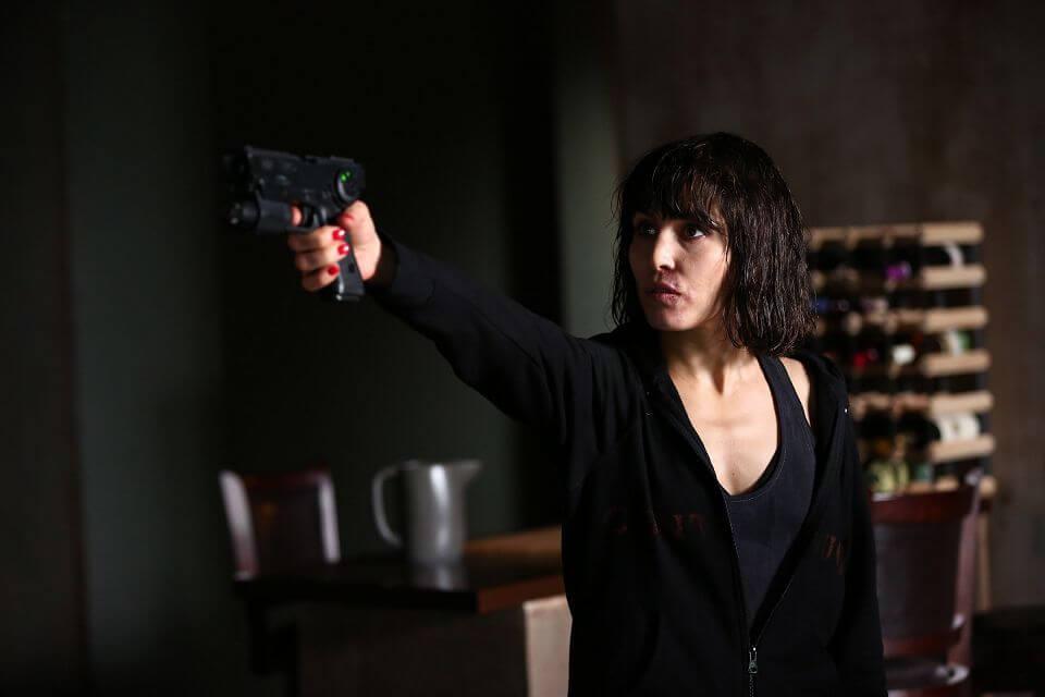 獵殺星期一:歐蜜瑞佩斯的演技秀┃影評