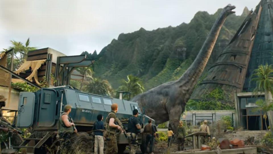 侏羅紀世界:殞落國度-帝王迅猛龍的爪子勾回侏羅紀公園記憶!┃影評