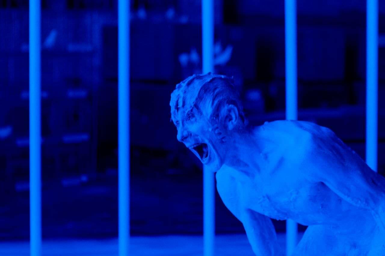 《O》:邱陽在《5x1》VR電影做開幕祭天儀式┃影評